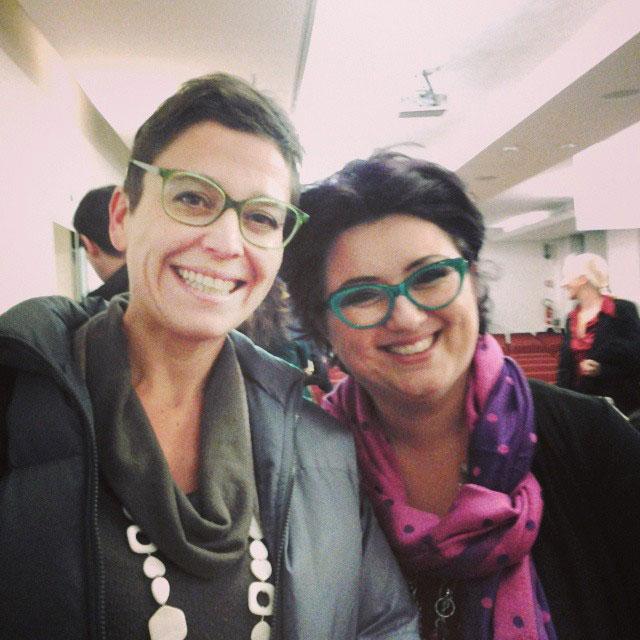 """Le due Francesche , felici di essersi incontrate qui, a #shefactorIT . Gran donne tutte e due. Francesca Sanzo, a sinistra, è la wonder woman che ha perso 41 chili in 9 mesi e l'autrice dell'ebook """"Narrarsi on line"""", di cui vi ho parlato la scorsa settimana su Fb. L'ho riconosciuta mentre stava parlando con #luigicentenaro e l'ho fermata con un:"""" Francesca?"""" E da quella domanda ci siamo messe a parlare di libri, di come conciliare famiglia e scrittura, delle notti insonni passate, appunto, a scrivere. Le ho anche detto di aver comprato la cyclette su #amazon , dopo aver letto il suo post. Oggi èstatala giornata delle belle sorprese. Thanx #shefactorIT #smwMilan #empoweringwomen #francescasanxo #francescapaviero. P,s. Francesca Parviero ha detto una frase che condivido assai: Lavoro solo con gente che mi piace #ancheiodaoggiinpoi"""