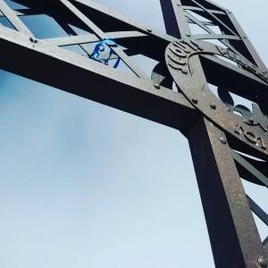 La croce degli scout del Pinerolo3, sul monte Albergian (3041)