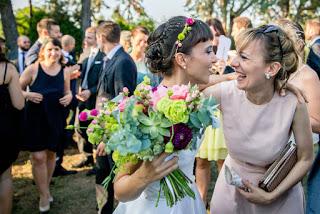 Matrimonio Sulla Spiaggia Abbigliamento Invitati : Matrimonio e bon ton regole d oro per gli invitati erica